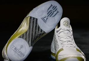 AIR_JORDAN_XX3_WHITE_GOLD_FRONT.jpg